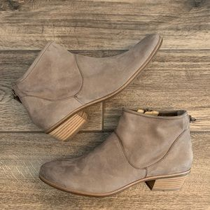 Brand New Paul Green Logan Suede Ankle Booties
